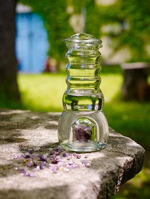 Cadus Krug/Karaffe 1 Liter mit Edelsteinen & Glasdeckel
